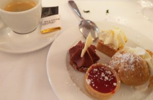 Lyon ja herkut cafe gourmant 1